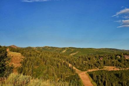 hike in deer valley